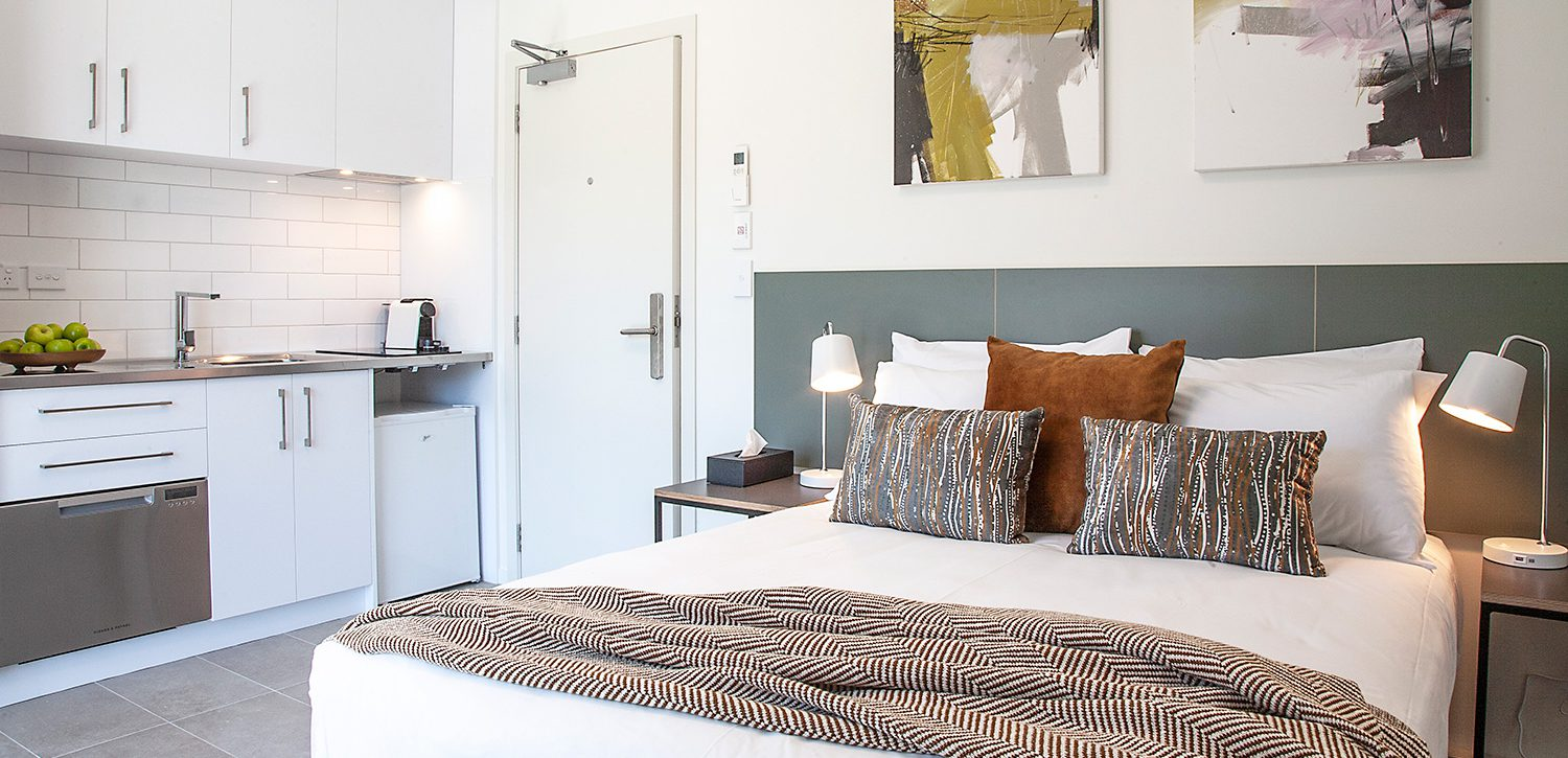 newtown-wellington-hotel-accommodation-petite-apartment-bed-kitchenette | Sojourn®